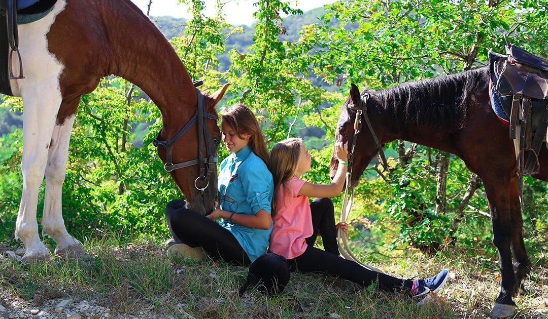Конные прогулки в Геленджике 2 - Топовые развлечения на курортах Кубани